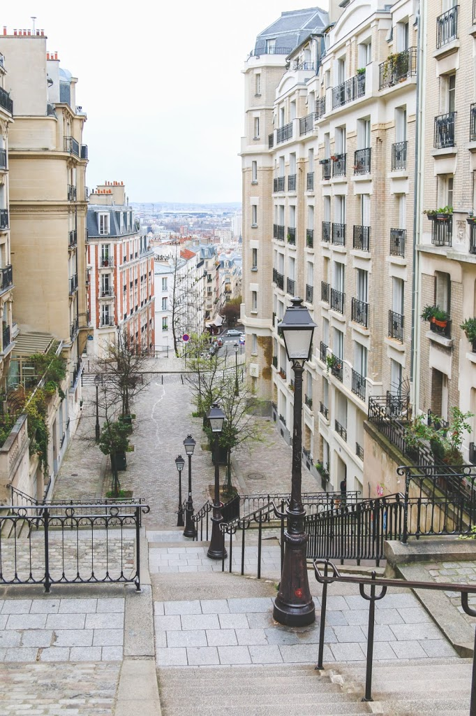 One of the Most Beautiful Neighborhoods in Paris: Exploring Montmartre